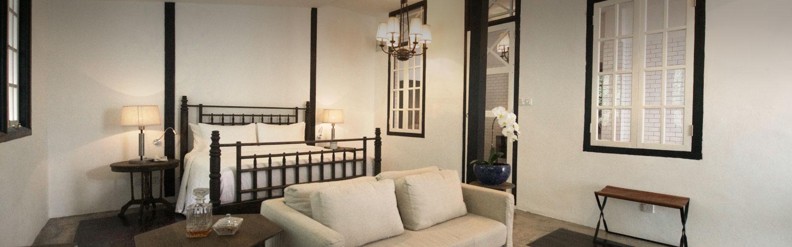 Luxe Sarang Bedroom