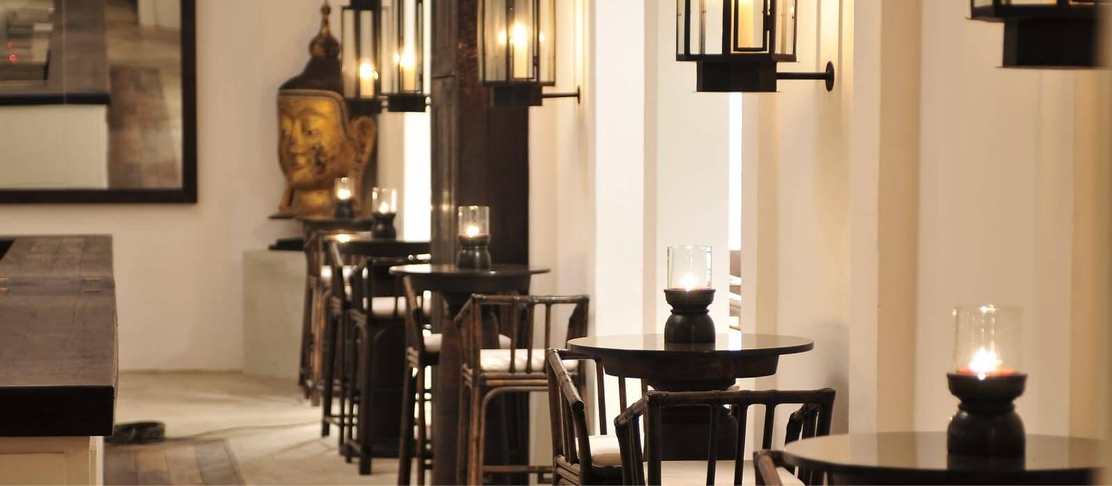 Chandelier Bar II | Tamarind Hill Singapore | Thai Restaurant